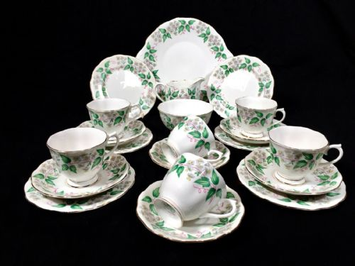 Vintage Royal Albert Travellers Joy Tea Set for 6 People / Cup / Trio / Saucer